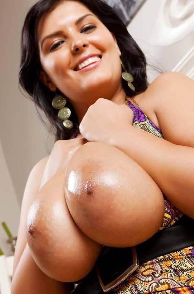 Indian aunties big boobs hot nude pics - Antarvasna photos