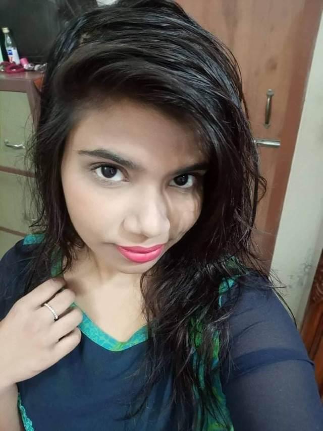 Saree Me Nude Bhabhi Ki XXX Photos