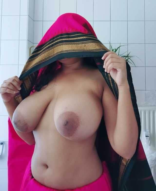 big boobs dikha aunty ne Kamasutra nude photos click karai pati se