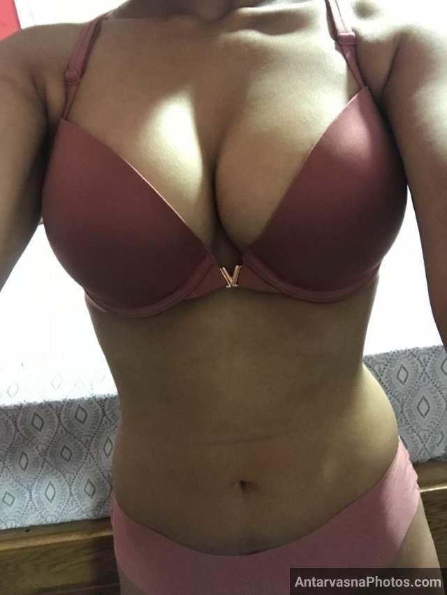 big boobs ki bra and panty me photos