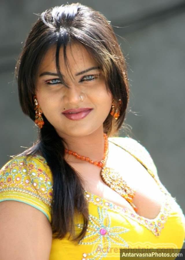 Indian boobs photos dikhati mast bhabhi Antarvasna