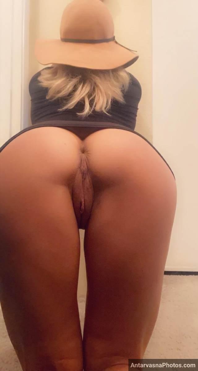 hot girl ghodi bankar apni big ass and shaved pussy dikhati hui