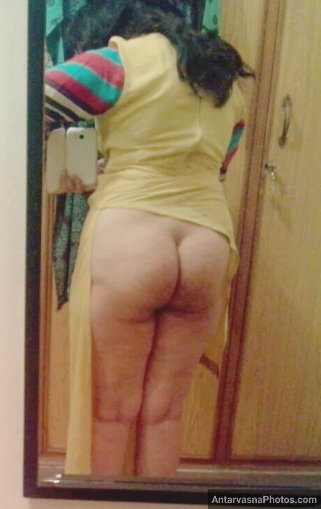 naked Indian ass pics se pati ko maja deti aunty