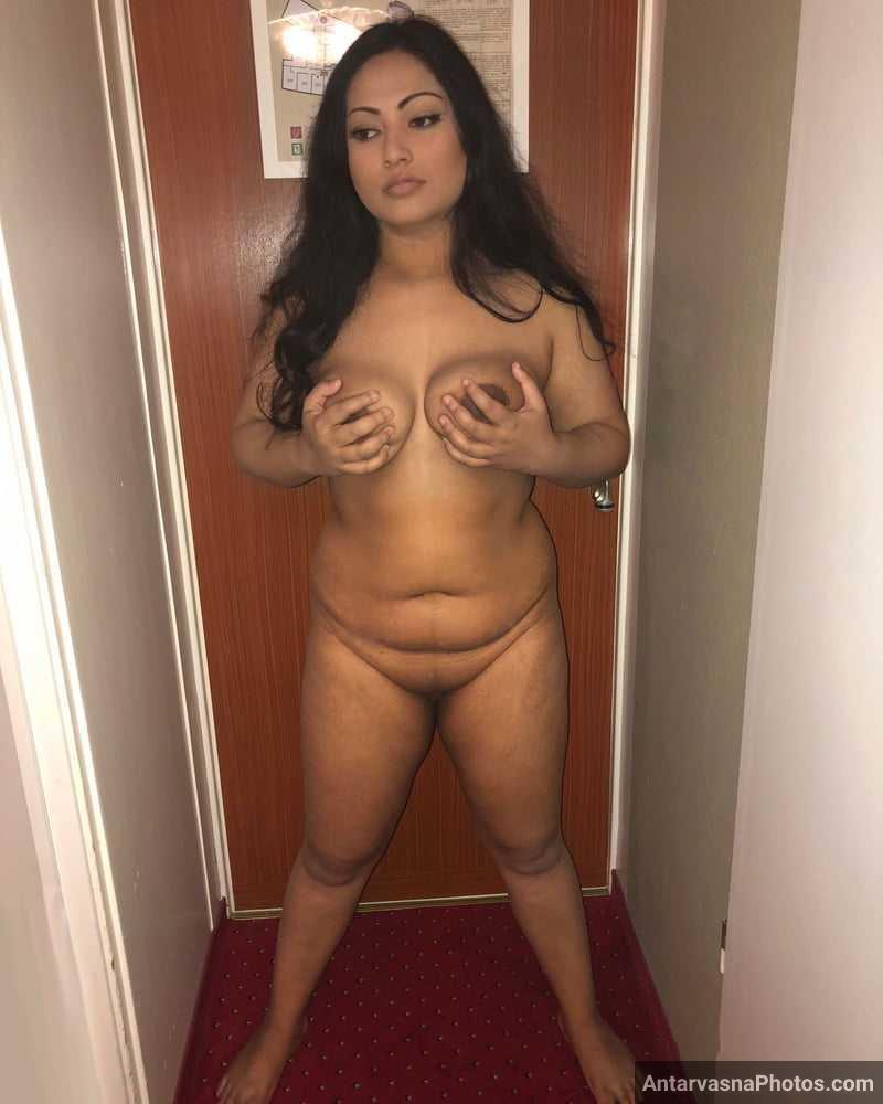 sexy desi model nisha pics